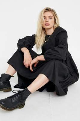Urban Outfitters Poplin Smocked Midi Dress - black M at