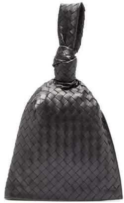 Bottega Veneta Twist Knotted Intrecciato Leather Pouch - Womens - Black