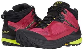 Topo Athletic Trailventure (Raspberry/Black) Women's Shoes