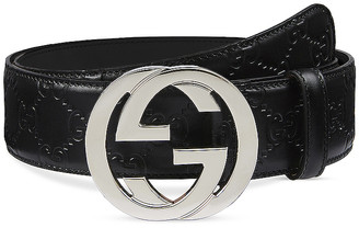 Gucci Signature Leather Belt In Nero & Nero in Nero & Nero | FWRD