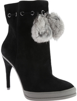 BCBGMAXAZRIA Women's Perry Ankle Boot