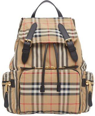 Burberry The Medium Rucksack In Vintage Check Econyl