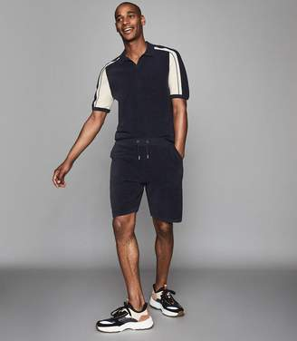 Reiss NEILL TOWELLING SHORTS WITH SIDE STRIPE Navy