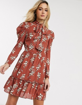 Parisian puff sleeve dress with pussybow detail