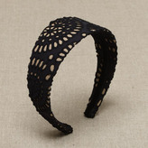 Eyelet headband