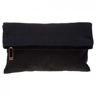 Fendi Black Cloth Clutch bags