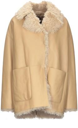 Dacute Coats