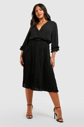 boohoo Plus Ruffle Detail Pleated Midi Dress