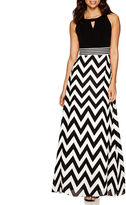 Studio 1 Sleeveless Chevron Maxi Dress