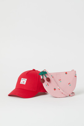 H&M Cap and bag set