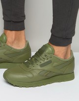 Reebok Classic Leather Solid Trainers In Green Bd1322
