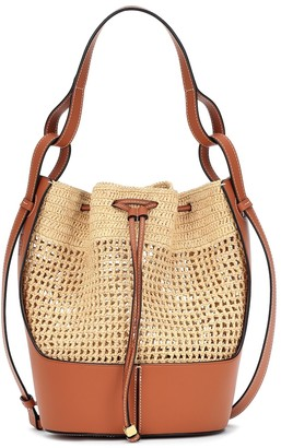 Loewe Paula's Ibiza Balloon Medium raffia shoulder bag