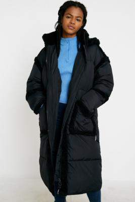 Urban Outfitters Iets Frans... iets frans. Borg Trim Maxi Puffer Jacket - black XS at