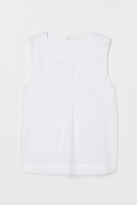 H&M Sleeveless blouse with lace