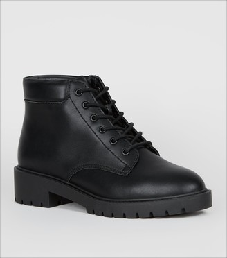New Look Wide Fit Lace Up Chunky Hiker Boots