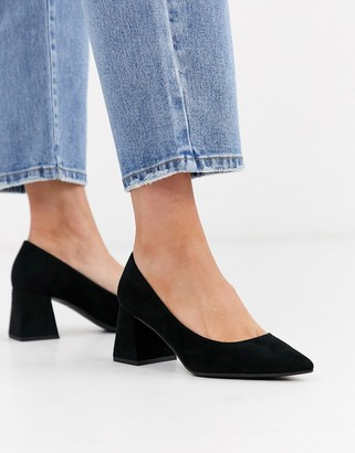 New Look suedette low block heeled shoes in black