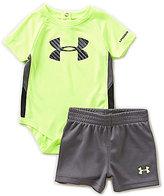 Under Armour Baby Boys Newborn-12 Months Tilt Shift Big Logo Bodysuit & Shorts set