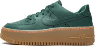 Nike Womens AF1 Sage Low LX Shoes - Size 5W