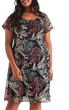 Estelle Plus Palais Embroidered Floral Dress