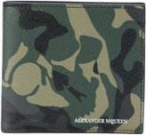 Alexander McQueen camouflage wallet - men - Leather - One Size