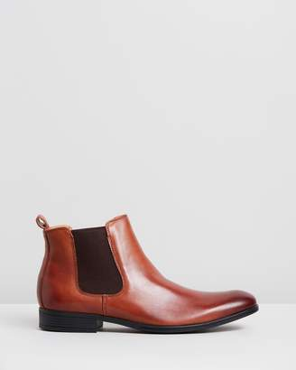 Jeff Banks Pace Performance Chelsea Boots