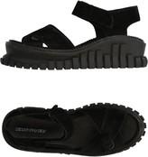 Underground Sandals - Item 11296362