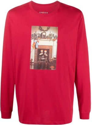Nike Graphic-Print Long-Sleeved T-Shirt