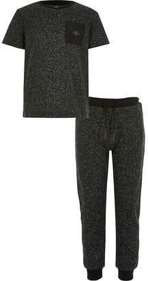 River Island Boys black textured T-shirt outfit
