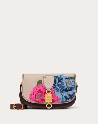Valentino Large Vlocker Grainy Calfskin Crossbody Bag With Camellia Embroidery Women Poudre/rubin 100% Pelle Di Vitello - Bos Taurus OneSize