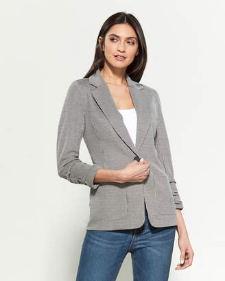 Vince Camuto Ruched Sleeve Houndstooth Pocketed Blazer