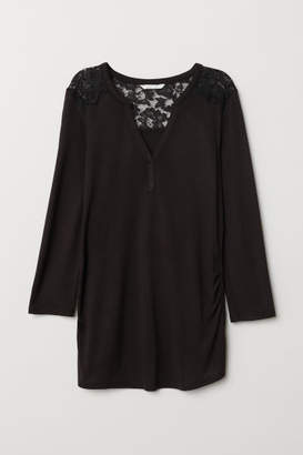H&M MAMA Top with a lace yoke