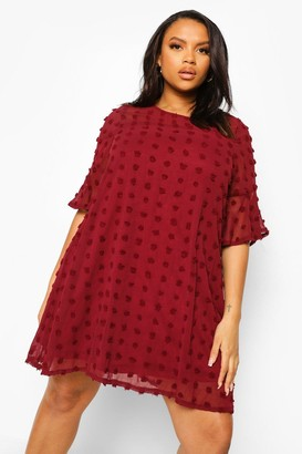 boohoo Plus Dobby Chiffon Oversized Shift Dress