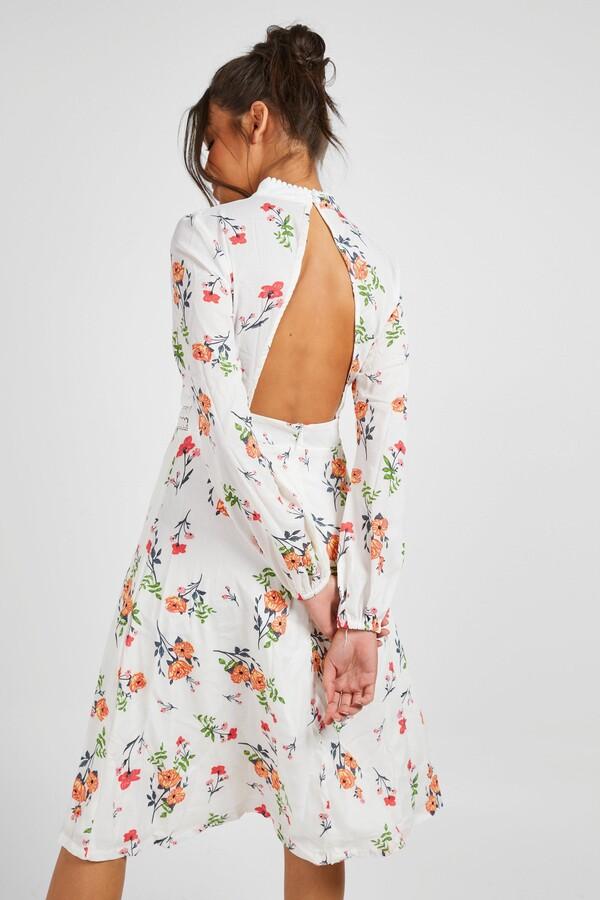 boohoo Boutique Floral Long Sleeve Skater Dress