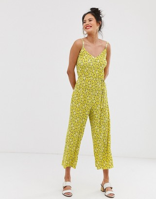 Miss Selfridge plisse cami jumpsuit in ditsy print-Yellow