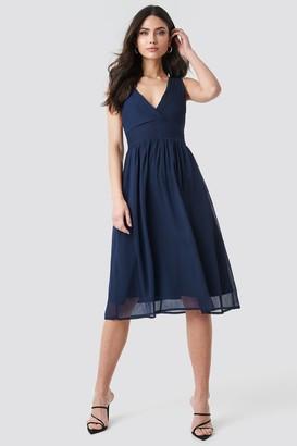NA-KD Draped Waist V-Neck Chiffon Dress