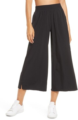 Zella Getaway Flowy High Waist Crop Wide Leg Pants