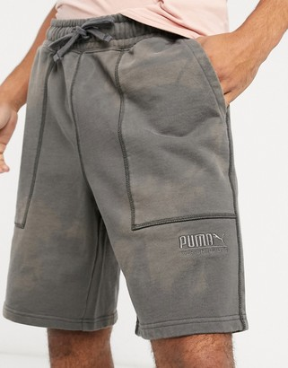 Puma heavy classics shorts in black