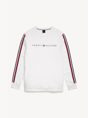 Tommy Hilfiger Long-Sleeve Logo T-Shirt