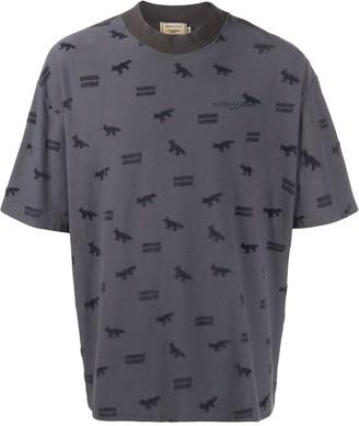 MAISON KITSUNÉ all over logo print T-shirt