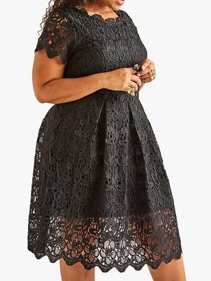 Yumi Curves Lace Dress, Black