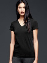Gap Pure Body V-neck tee