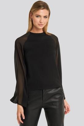 NA-KD Trumphet Sleeve Flowy Blouse Black