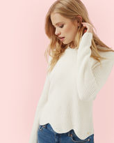 FINDA Scalloped edge ribbed sweater