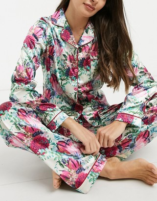 NIGHT satin long pyjama set with floral print in cream