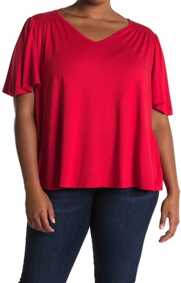 Bobeau V-Neck Smocked Shoulder Top (Plus Size)