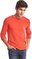 Gap Logo long sleeve pocket tee