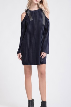 J.o.a. Shoulder Tie Pleated Shift Dress