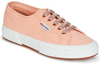 Superga 2750 CLASSIC SUPER GIRL EXCLUSIVE women's Shoes (Trainers) in Pink