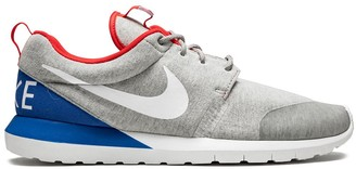 Nike Rosherun NM W SP low-top sneakers