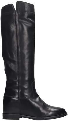 Julie Dee Low Heels Boots In Black Leather
